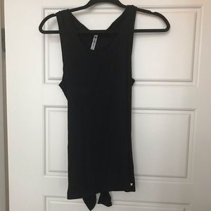 Fabletics open back tie shirt Size Small